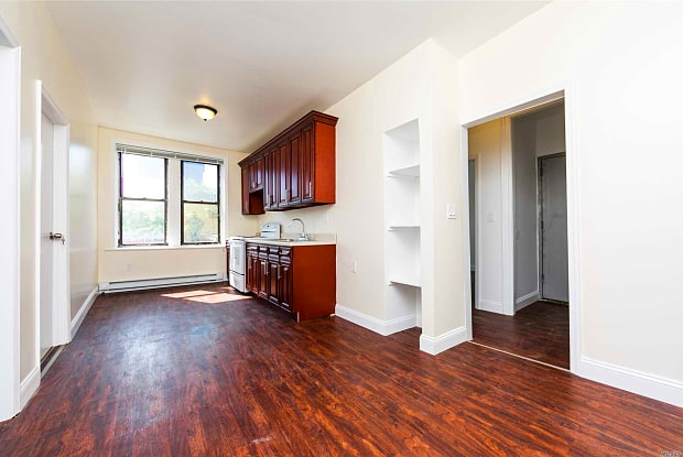 492 E 98th St - 492 East 98th Street, Brooklyn, NY 11212