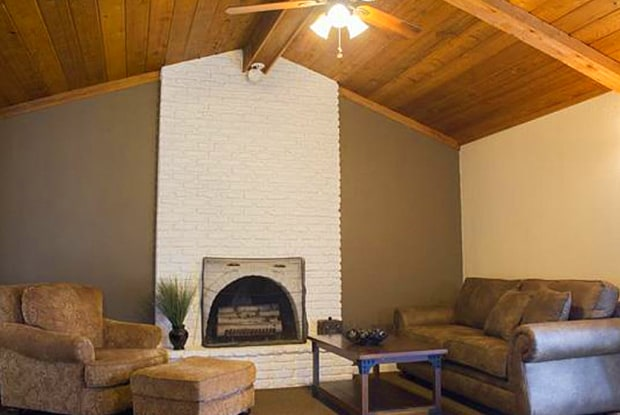 Woodlake Apartments - 4008 S Louise Ave, Sioux Falls, SD 57106