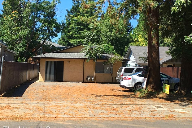 1212 Ivy Street - 1212 Ivy St, Chico, CA 95928