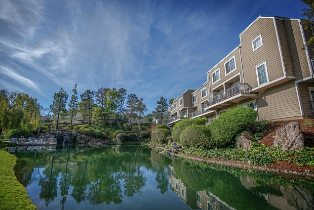 Serenity at Larkspur - 700 Lincoln Village Cir, Larkspur, CA 94939