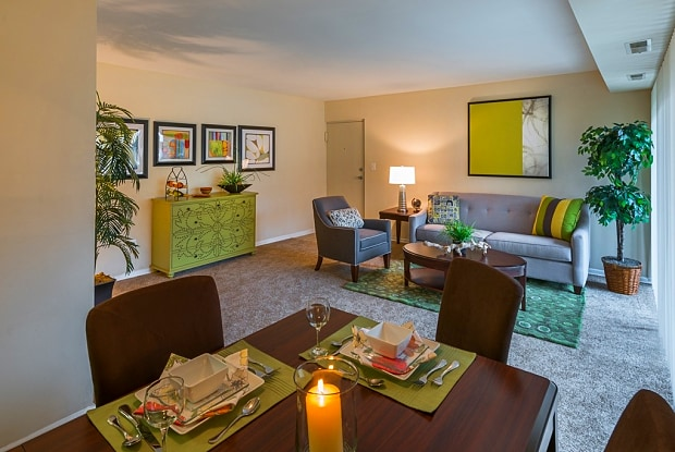 Fountain Club Apartments - 7604 Fontainebleau Dr, New Carrollton, MD 20784