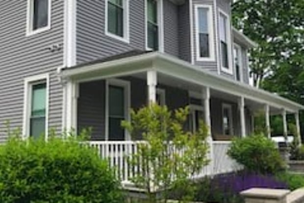 829 Suffolk Ave - 12 - 829 Suffolk Ave, Brentwood, NY 11717
