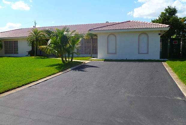 499 W Conference Drive - 499 West Conference Drive, Boca Raton, FL 33486
