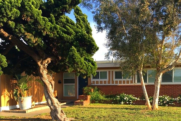 321 Dahlia Ave - 321 Dahlia Avenue, Imperial Beach, CA 91932
