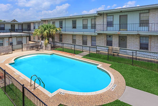 Terra Alta Apartments - 411 Everest St, San Antonio, TX 78209