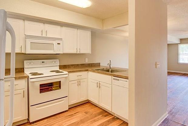 630 Fairview Apartment Homes - 630 Fairview Rd, Simpsonville, SC 29680