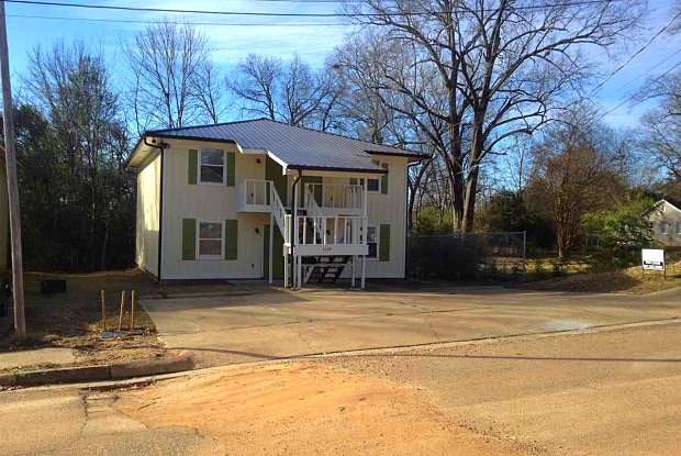 1110 RIVERVIEW PL - 1110 Riverview Drive, Jackson, MS 39202