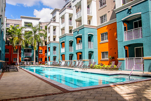 Red Road Commons Apartment Homes - 6620 SW 57th Ave, South Miami, FL 33143