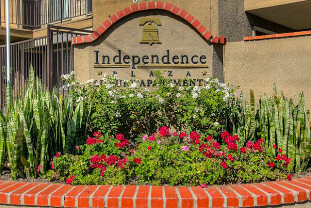 Independence Plaza - 8735 Independence Ave, Los Angeles, CA 91304