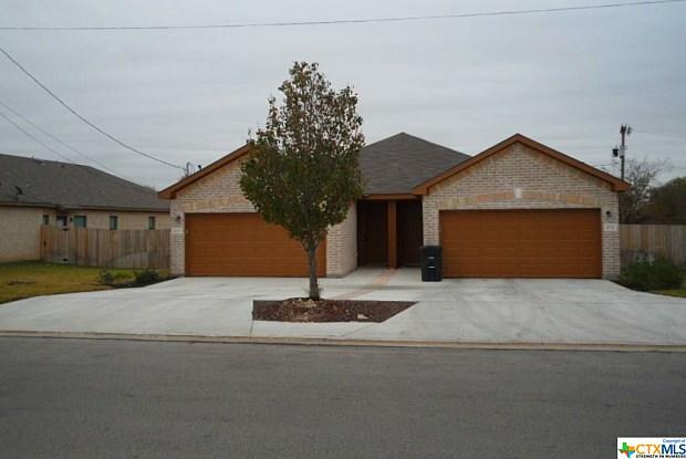 210 Stone Gate Drive - 210 Stone Gate Drive, New Braunfels, TX 78130