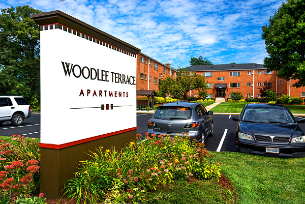 Woodlee Terrace - 12525 Gordon Blvd, Woodbridge, VA 22192