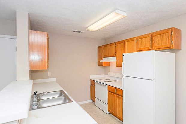Grand at Pearl - 200 Colony Park Dr, Pearl, MS 39208