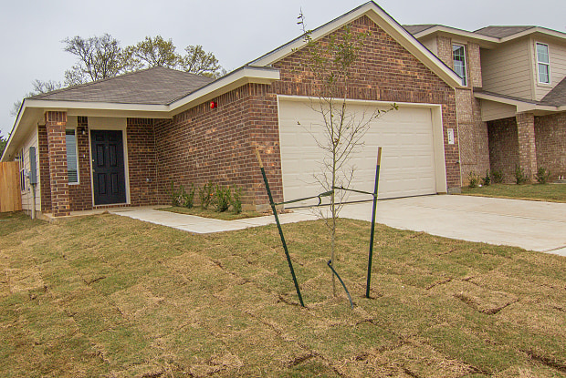 2124 Eastwood Court - 2124 Eastwood Ct, Bryan, TX 77803
