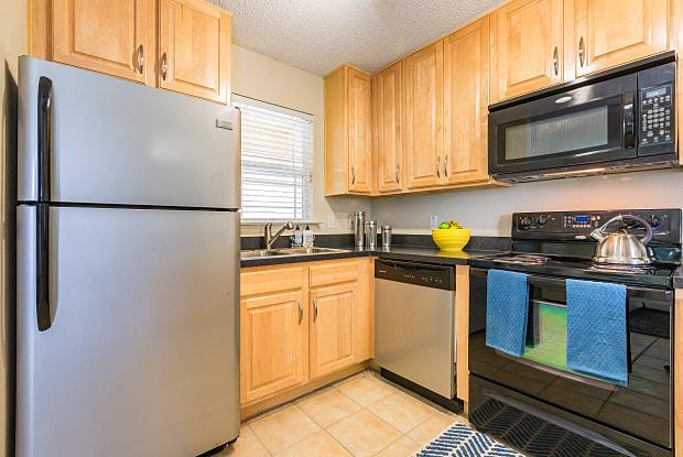 Canopy Apartment Villas - 5762 Folkstone Ln Orlando FL 32822 & Canopy Apartment Villas - Apartments for rent