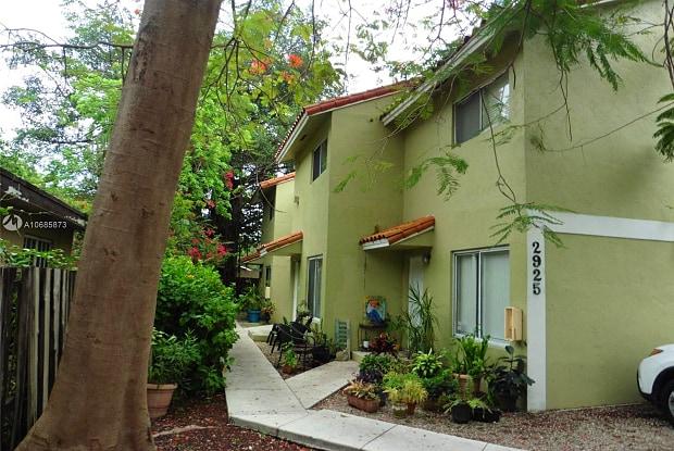 2925 Center St - 2925 Center Street, Miami, FL 33133