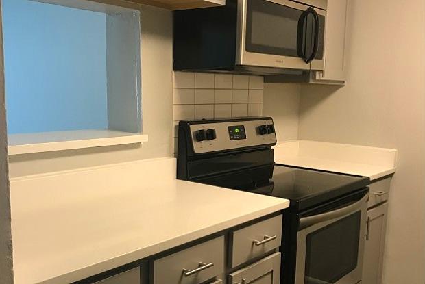 Lorna Place - 3400 Treeline Ct, Hoover, AL 35216
