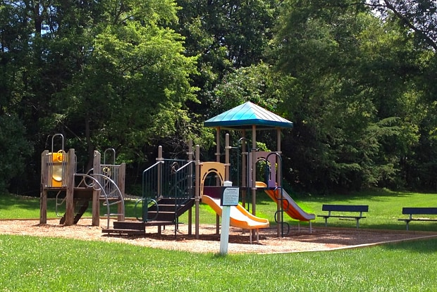 Shelter Cove - 537 Tranquil Ct, Odenton, MD 21113