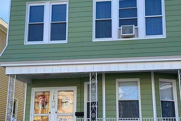 168 WEST 10TH ST - 168 West 10th Street, Bayonne, NJ 07002