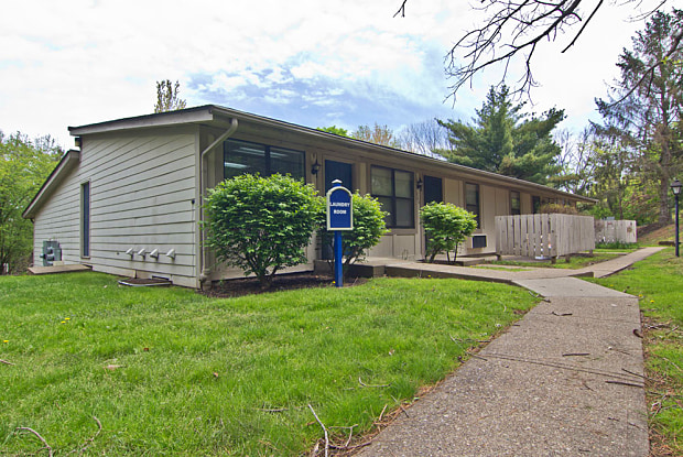 Valleyfield - 3520 Washington Pike, Bridgeville, PA 15017