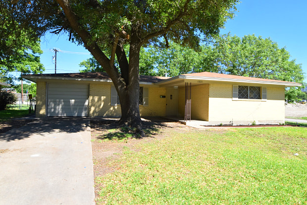 1921 S 33rd St - 1921 South 33rd Street, Temple, TX 76504