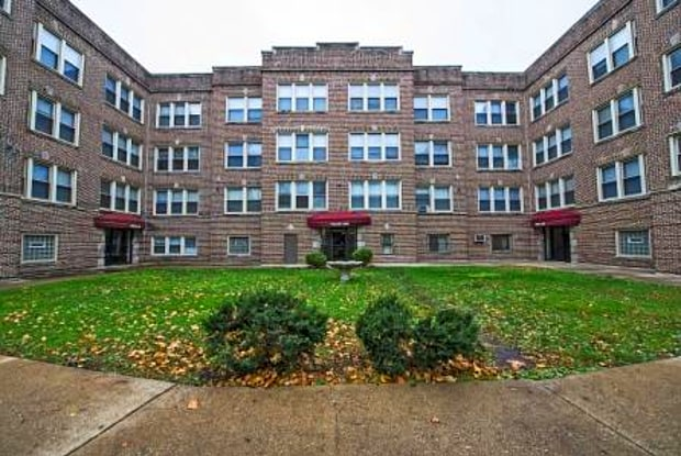 Pangea 7930 S Ingleside East Chatham Apartments - 7930 S Ingleside Ave, Chicago, IL 60619