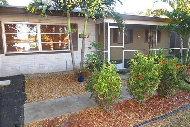 4926 Vincennes ST - 4926 Vincennes Street, Cape Coral, FL 33904