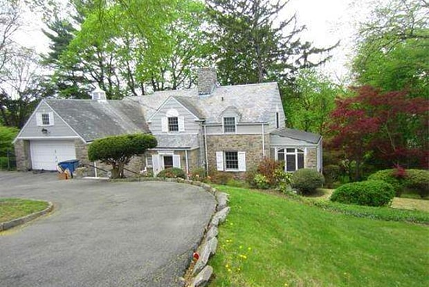 979 Post Road - 979 New York Highway 22, Scarsdale, NY 10583