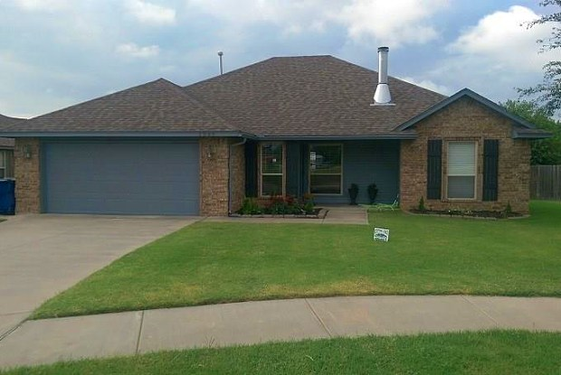 1249 W Shannon Way Court - 1249 North Shannon Way, Mustang, OK 73064