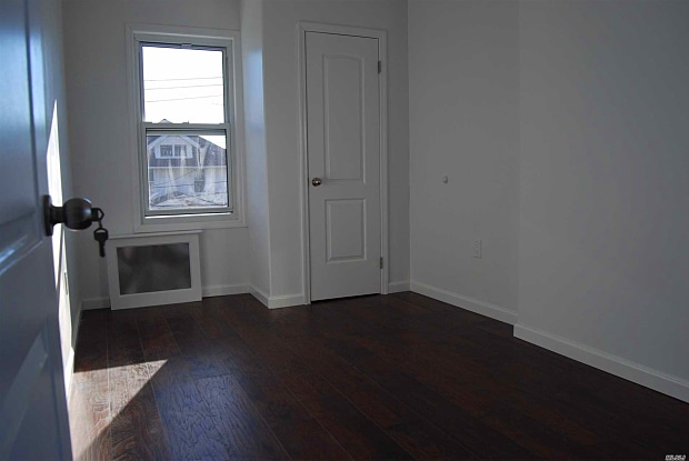 115-21 10th Ave #- - 115-21 10th Avenue, Queens, NY 11356
