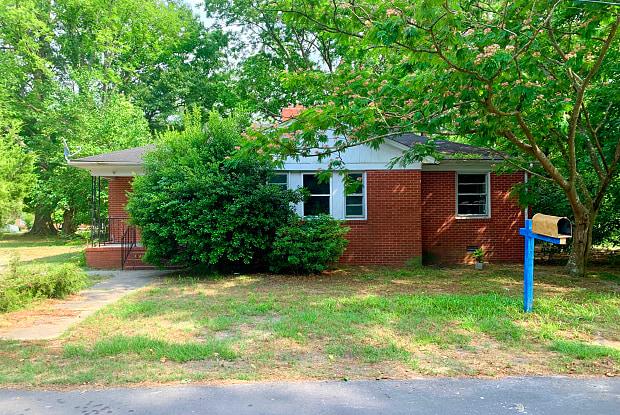 307 W Byrd Street - 307 Byrd Street, Clinton, NC 28328