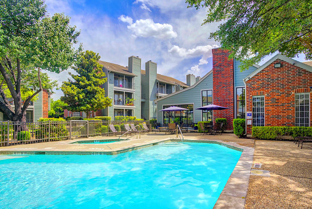 Bradford Pointe Apartments - 11701 Metric Blvd, Austin, TX 78758