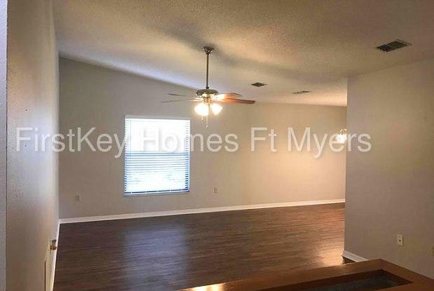4967 80th Avenue Circle East - 4967 80th Avenue Circle East, Manatee County, FL 34243