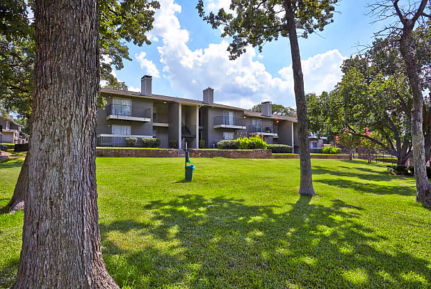 Oak Park by ARIUM - 1350 N Main St, Euless, TX 76039