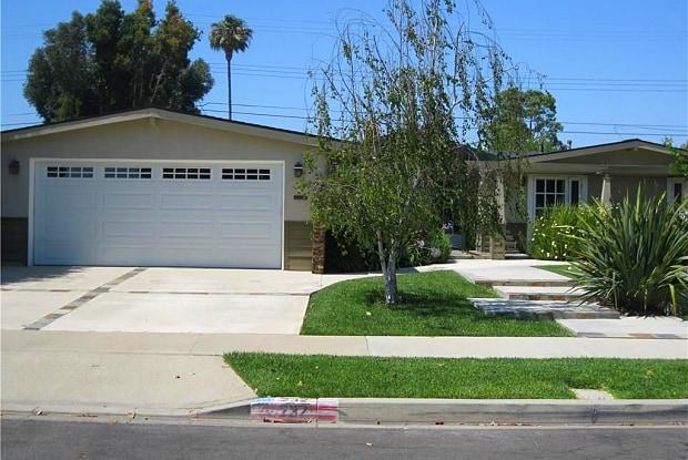 232 Amherst Road - 232 Amherst Road, Costa Mesa, CA 92626