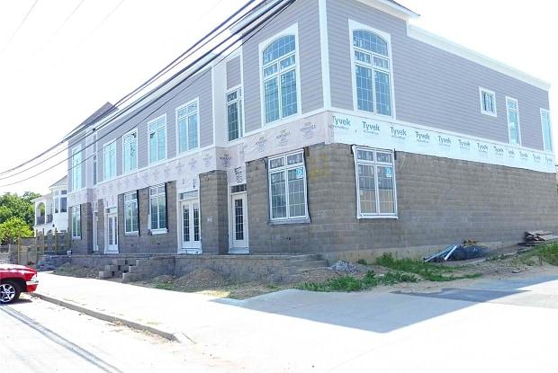 22 Bayville Ave - 22 Bayville Avenue, Bayville, NY 11709