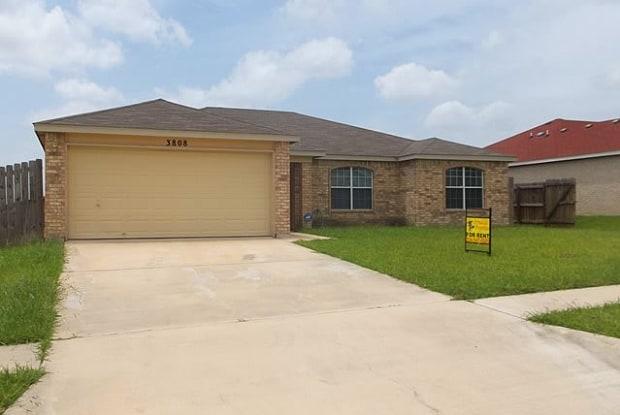 3808 Fieldcrest Dr - 3808 Fieldcrest Drive, Killeen, TX 76549