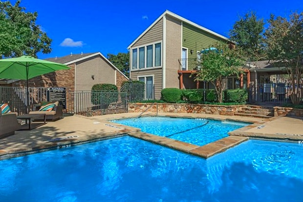 Point Loma Woods - 1300 Shady Ln, Bedford, TX 76021