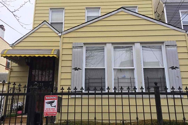 33-28 105th St - 33-28 105th Street, Queens, NY 11368