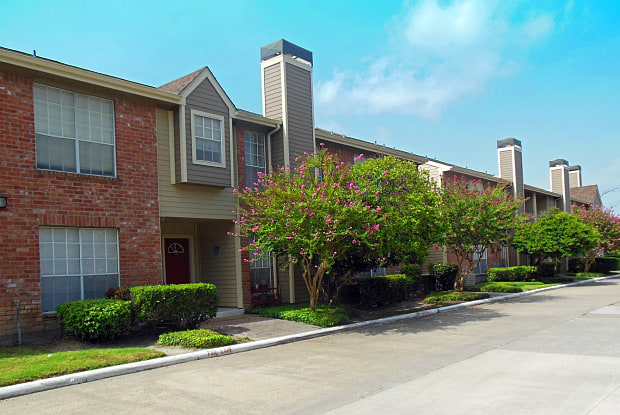 Walden Pond - 12850 Whittington Dr, Houston, TX 77077