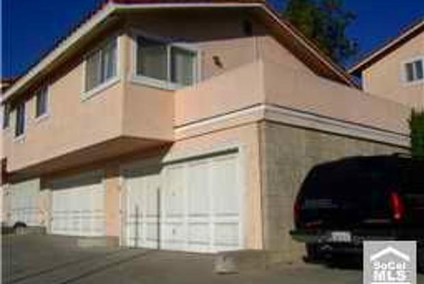 1861 Molino Ave - 1861 Molino Avenue, Signal Hill, CA 90755