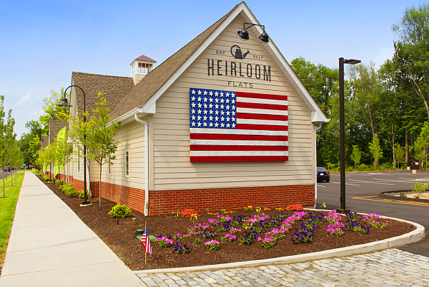 Heirloom Flats - 700 Bloomfield Ave, Hartford, CT 06002