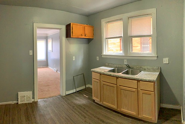 15765 Ward Ave - 15765 Ward St, Detroit, MI 48227