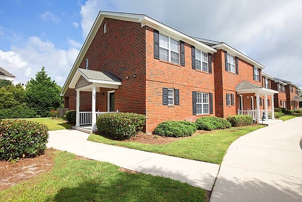 Pleasant Grove Village - 4505 Prior Dr, Wilmington, NC 28412