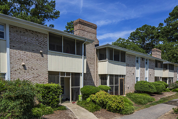 Lexington on the Green Apartment Homes - 4803 New Hope Rd, Raleigh, NC 27604