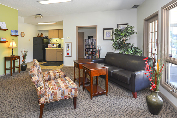 Eagle Creek Apartments - 9550 E Lincoln St, Wichita, KS 67207