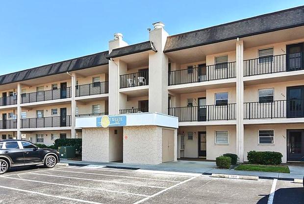 102 CAPRI ISLES BOULEVARD - 102 Capri Isles Boulevard, Venice, FL 34292