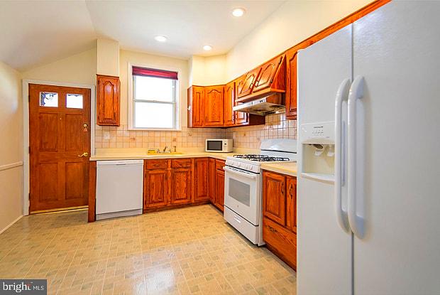 937 MCKEAN STREET - 937 Mckean Street, Philadelphia, PA 19148