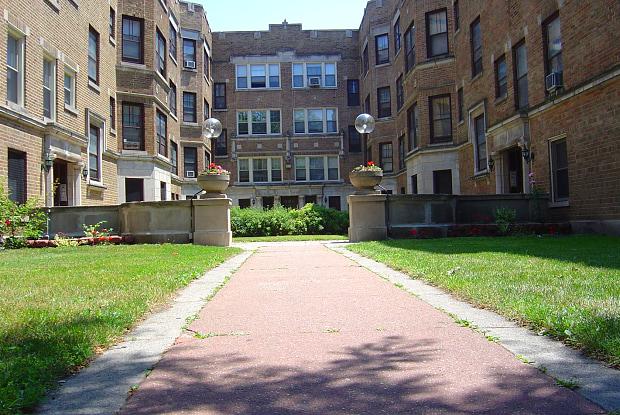 6749 S Oglesby Ave - 6749 South Oglesby Avenue, Chicago, IL 60649