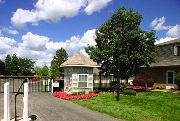 Abbington Village - 988 Muirwood Village Dr, Columbus, OH 43228