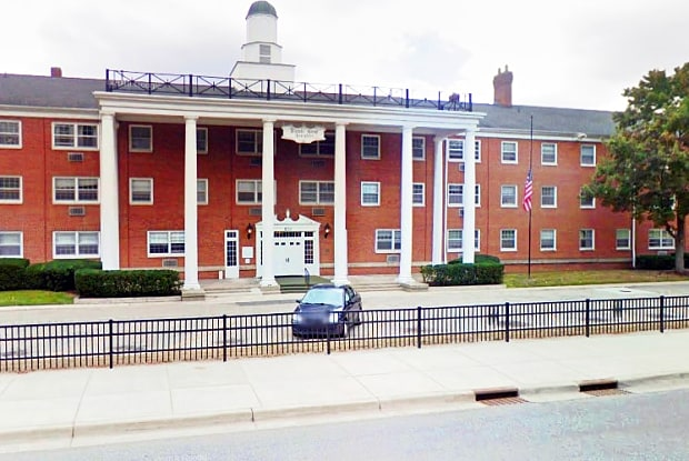 Waters House - 500 Fulton St E, Grand Rapids, MI 49503
